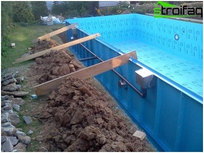 Construction suburban pool