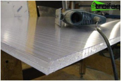 how to cut polycarbonate