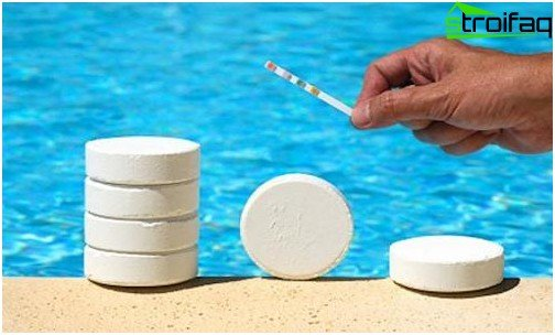 Tablets for cleaning of pools