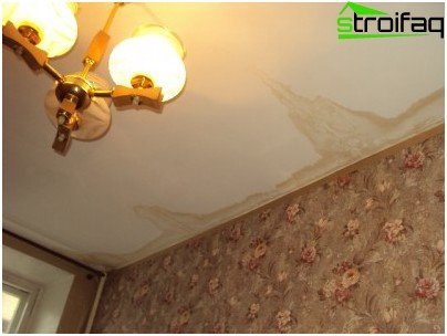 They flood the neighbors above: drenched ceiling in the living room