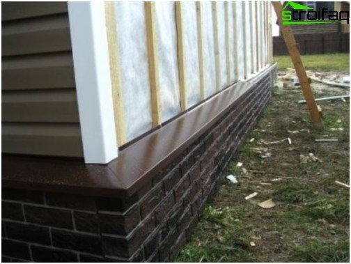 Decorating the house siding foundation