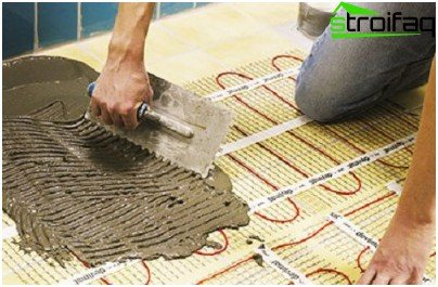 Quello che un pavimento caldo sotto la piastrella è più adatto