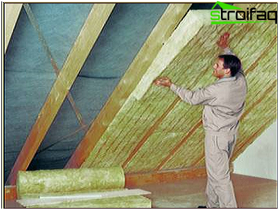 Insulation of pitched roof from the inside