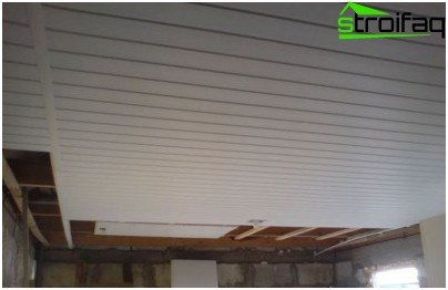 Finishing the ceiling clapboard garage