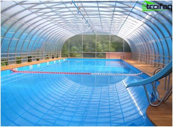 Construction of swimming pools under a canopy