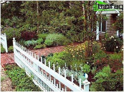Hur man gör en trädgård av stängslet med sina händer - en översyn ...