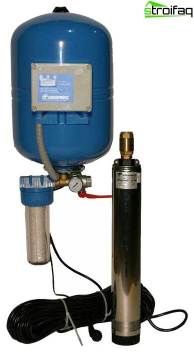 Submersible pump for well