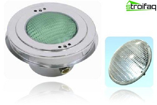 Surface underwater lamp