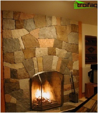 Fireplaces made of natural stone