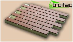 Thermal panels with ceramic tiles