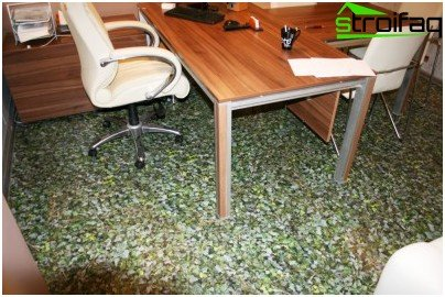 Caring for cork flooring - protective mat from abrasion