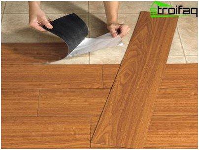 Self-adhesive vinyl tiles