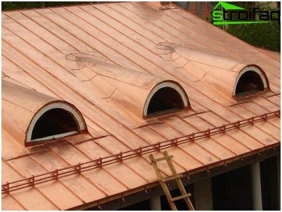 Seam roof garage
