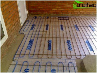 Laying electric floor