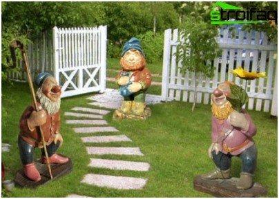 garden figures