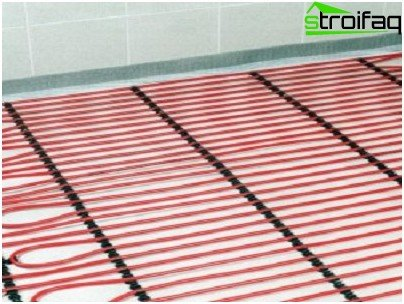 Electric floor heating in the bathroom