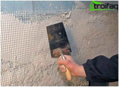 Plaster of aerated concrete with fiberglass mesh