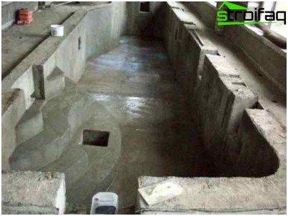 Internal insulation hydraulic structure