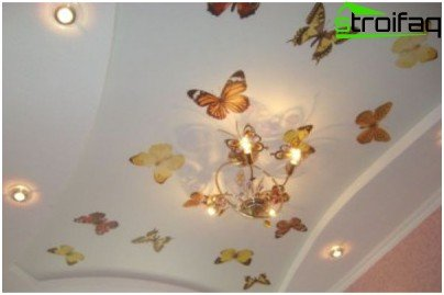 Gypsum ceiling with butterflies pattern
