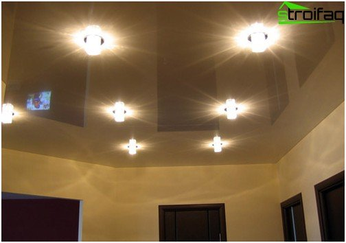 Proper lighting - an important component of glossy ceiling