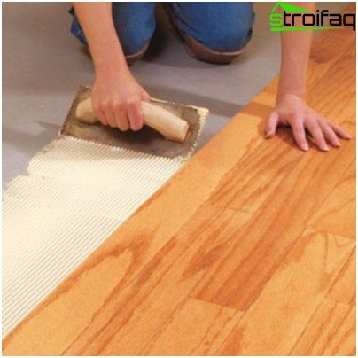 Bonding of wood flooring
