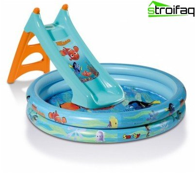 Pool with a slide for the little ones