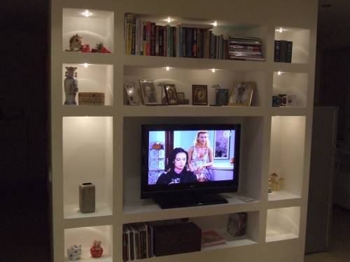 Plasterboard shelves with LED backlight