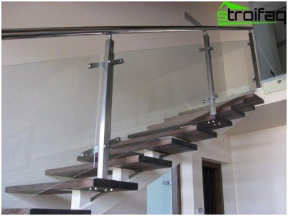 Fastening balusters for stairs of stainless steel at the same time provide the safety of the structure and are a spectacular element of its design