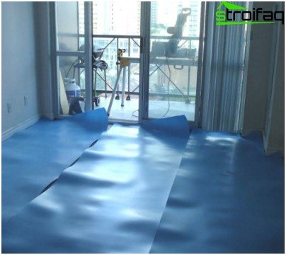 Laying the substrate under a laminate floor