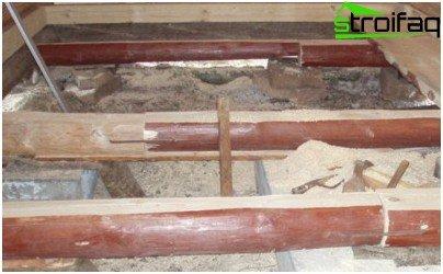 Laying wood floor