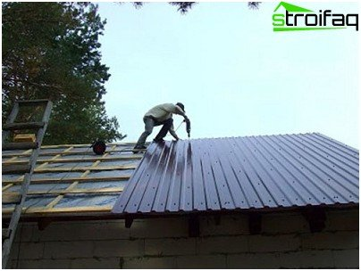 Installation of corrugated board
