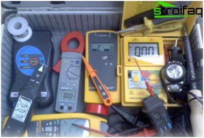 Specialized tools electrician