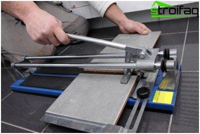 Come tagliare piastrelle strumento diverso imparare a tagliare in