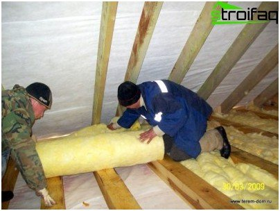 laying mineral wool