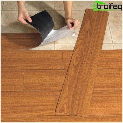 Rectangular vinyl tile