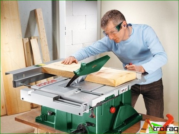 Precise cutting with the miter saw