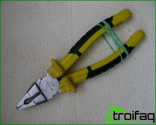 Features pliers selection