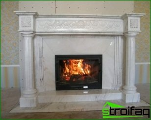Fireplaces made of marble: types, advantages, features cladding