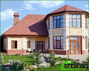 Choosing the design of a country house