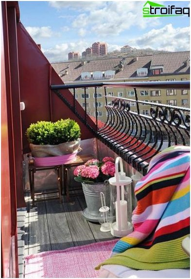 Design of small-sized balcony