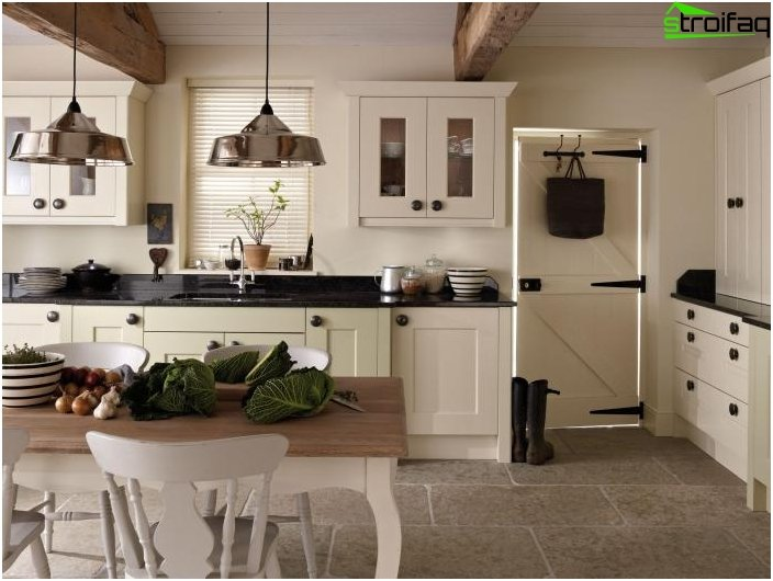 Kitchen in classical style 2
