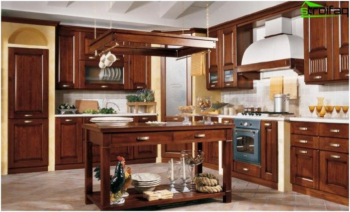 Kitchen in classical style 3