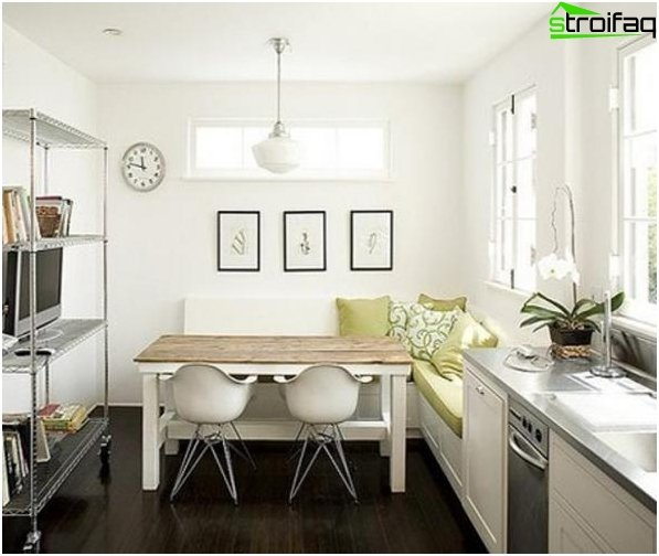 Plan kitchen of 10 square meters with balcony - photo 1