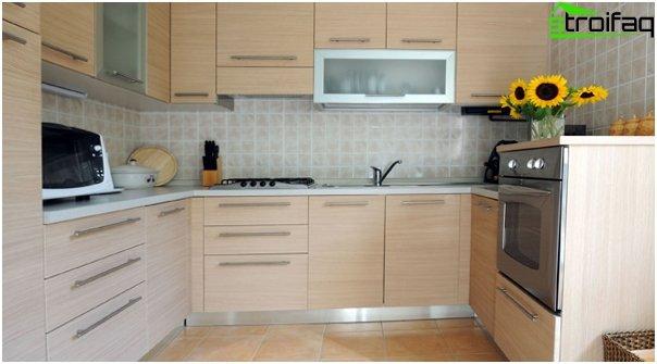 Кухня светлая тона-5