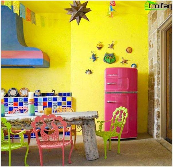 Кухонная мебель в ярких тонах-1