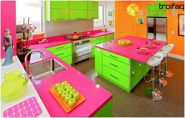 Kitchen furniture in bright colors-2