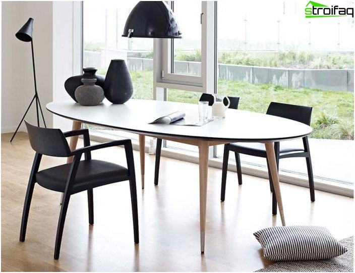 Oval dining table - 5