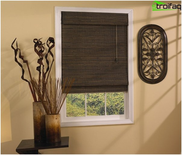 Roman blinds in a colonial style - 1
