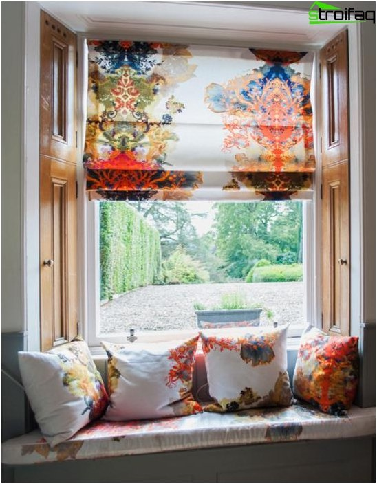 Roman blinds in a colonial style - 6