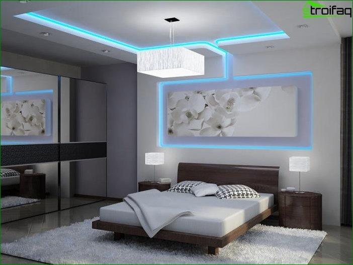 Decorative lighting on the ceiling plasterboard